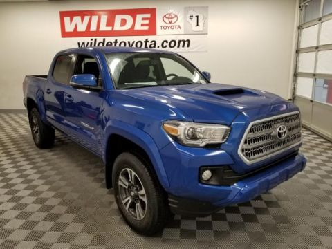 New 2017 Toyota Tacoma TRD Sport Double Cab 5' Bed V6 4x4 Double Cab 4WD