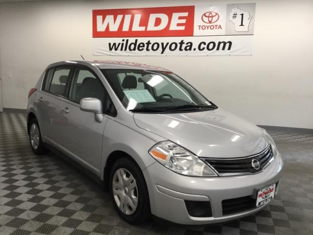 Pre-Owned 2010 Nissan Versa 5dr HB I4 Auto 1.8 S