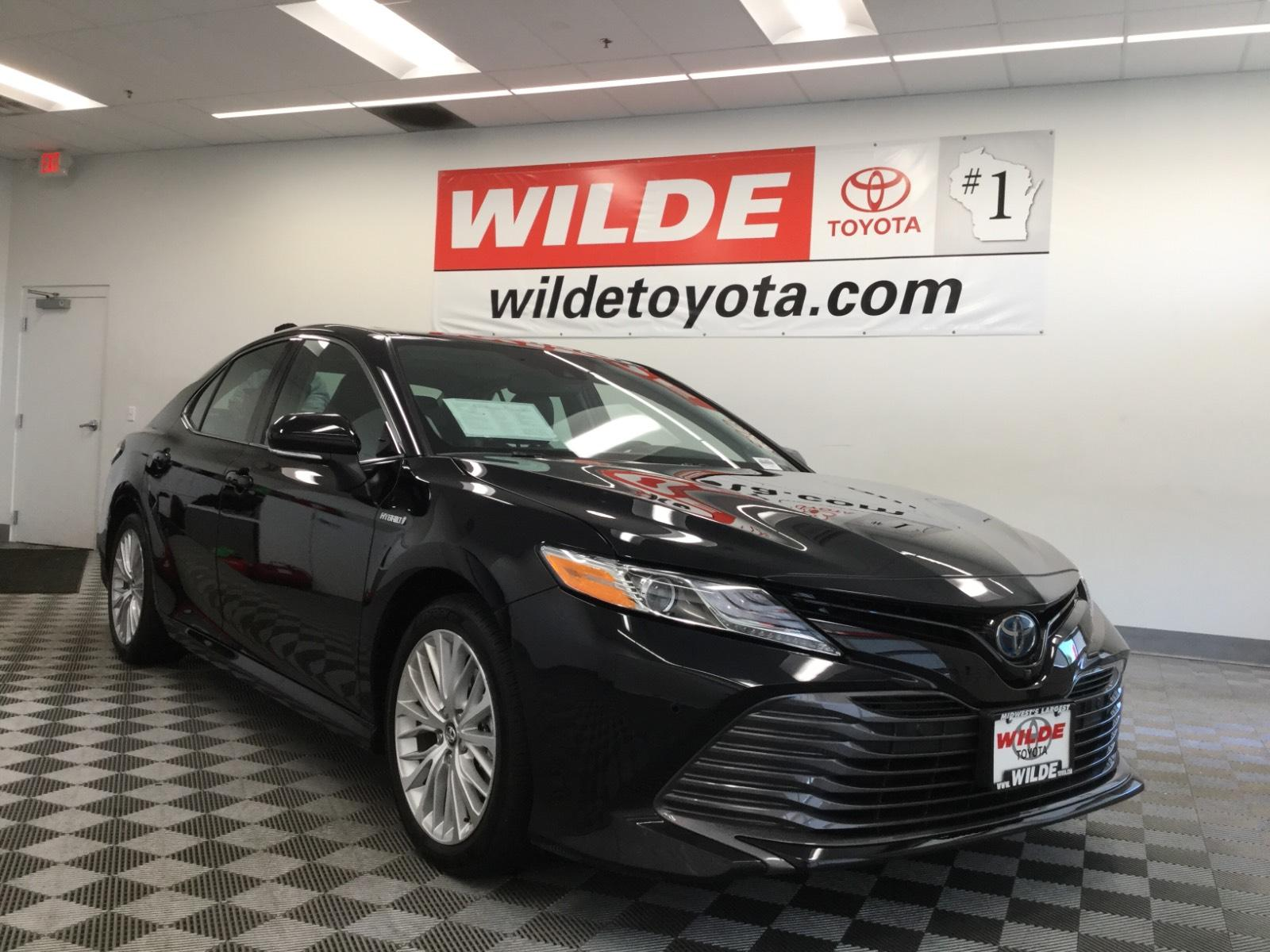 Pre-Owned 2019 Toyota Camry Hybrid XLE CVT
