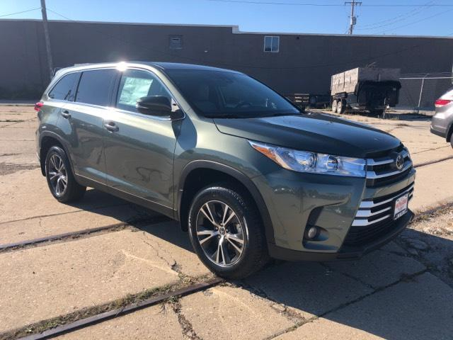 New 2019 Toyota Highlander Le Plus V6 Awd Sport Utility In West