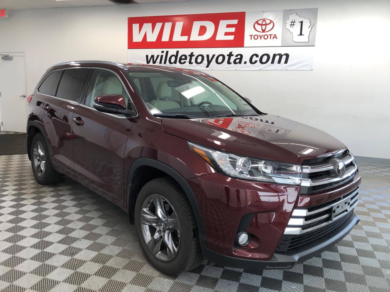 Pre-Owned 2018 Toyota Highlander Limited Platinum V6 AWD