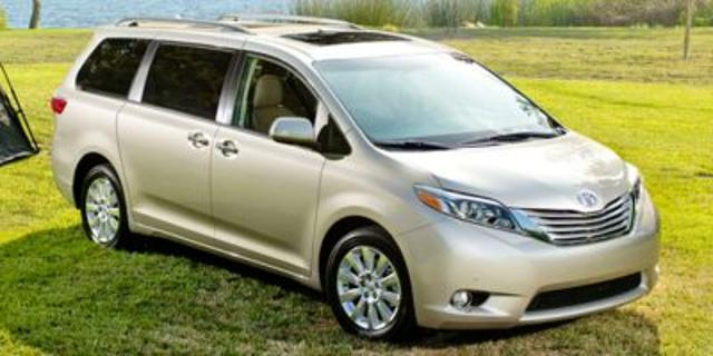 Pre Owned 2016 Toyota Sienna 5dr 8 P Van Xle Fwd
