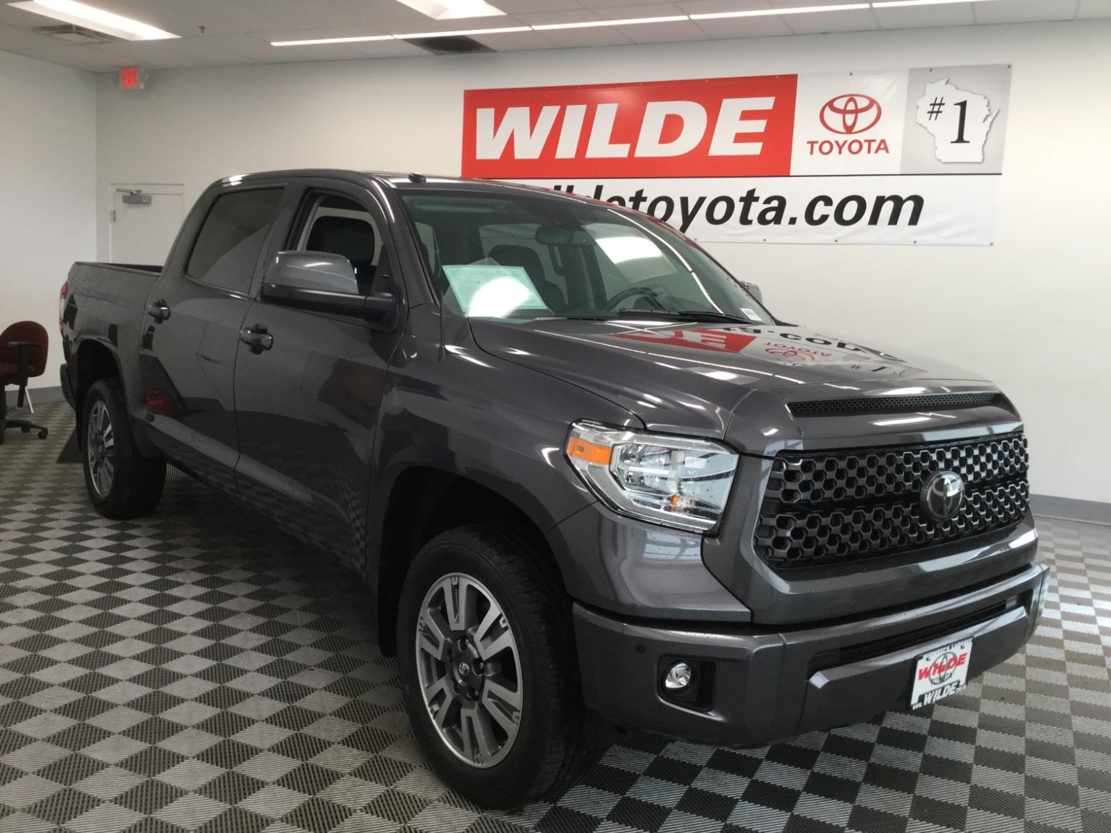 Pre-Owned 2018 Toyota Tundra Platinum CrewMax 5.5' Bed 5.7L FFV