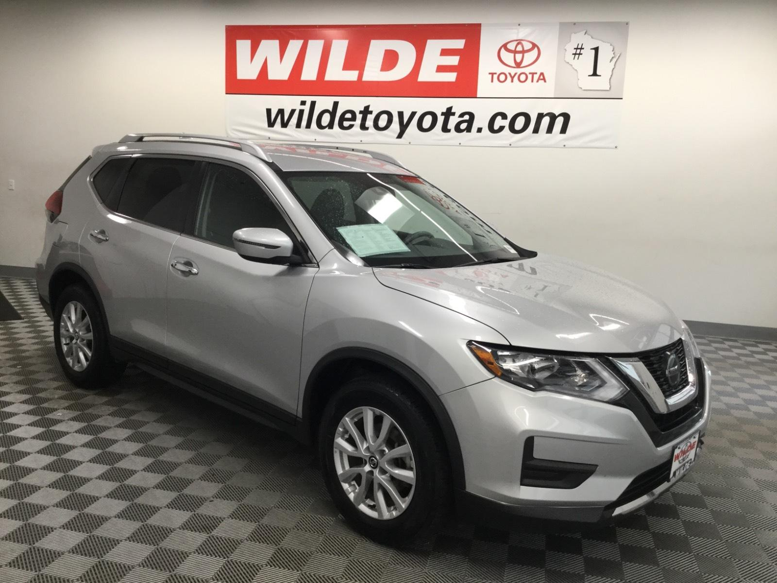 Pre-Owned 2019 Nissan Rogue FWD SV